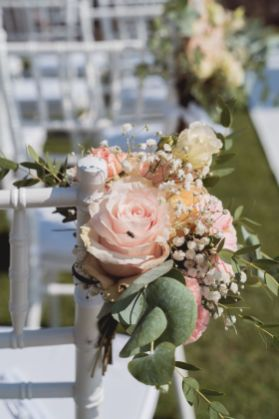 wedding flowers with a special guest | Villa la palagina resort