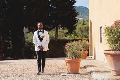 The groom is coming | Villa la palagina resort