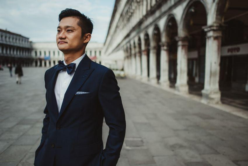 venice wedding photographer / groom creative portrait
