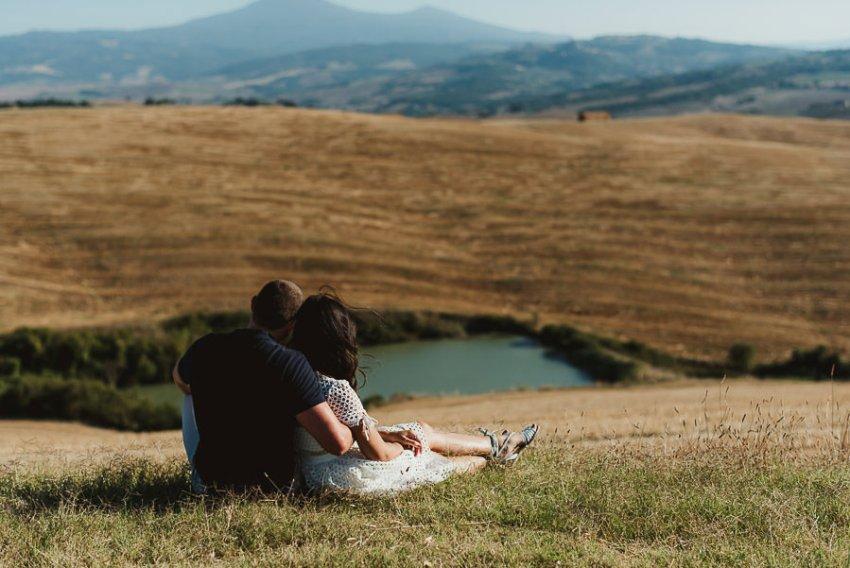 Wedding proposal inspiration proposing in tuscany romantic hug
