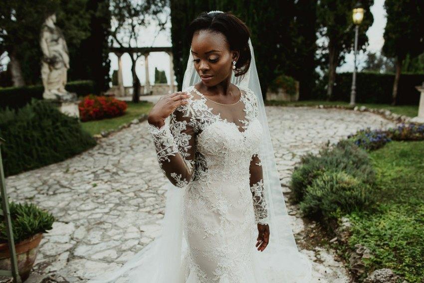 Sirmione Wedding photographer bride groom intimate portrait