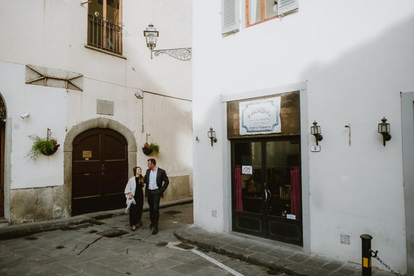 Couple portrait photography florence tuscany italy walking throu