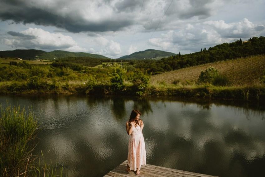 Couple lifestyle portrait photography florence tuscany countrysi