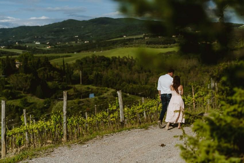 countemporary Couple portrait photography florence tuscan vineya