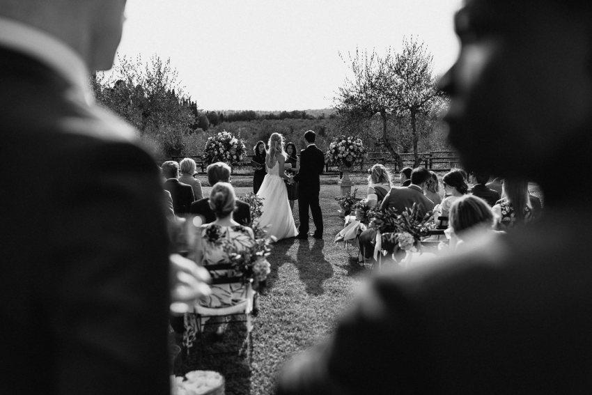 Siena wedding photographer borgo scopeto outdoor rustic ceremony