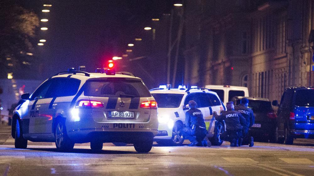 Des policiers postés dans les rues de Copenhague, le 15 février 2015, après la mort d'un homme, abattu par les forces de l'ordre.