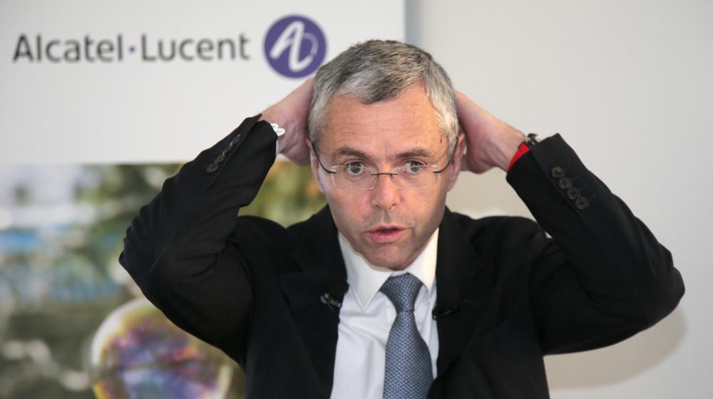 Le directeur général d'Alcatel-Lucent, Michel Combes, lors d'une conférence de presse à Paris, le 6 février 2015.