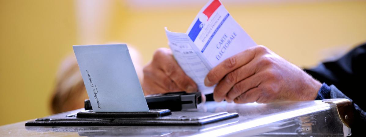 Deux propositions de loi déposées par des députés socialistes visent à réformer les modalités de l'électionprésidentielle.