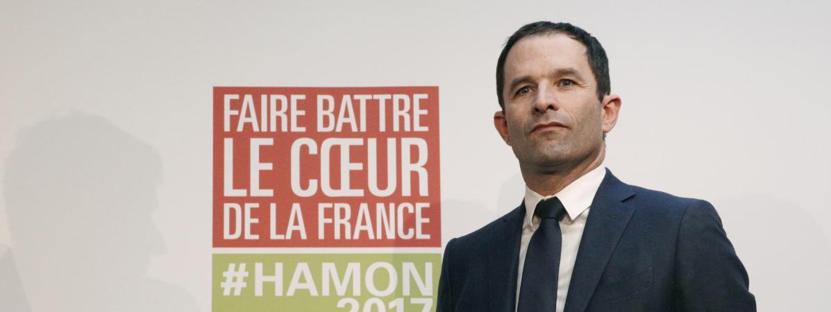 Le candidat socialiste à l\'élection présidentielle, Benoît Hamon, lors d\'une conférence de presse officialisant son accord avec l\'écologiste Yannick Jadot, le 26 février 2017 à Paris.