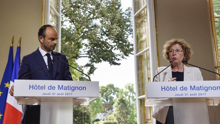 Le Premier ministre Edouard Philippe et la ministre du Travail, Muriel Pénicaud, lors d\'une conférence de presse présentant les ordonnances réformant le Code du travail, jeudi 31 août à Paris.