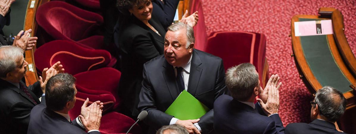 Le sénateur LR Gérard Larcher, applaudi après sa réélection à la tête du Sénat, le 2 octobre 2017.