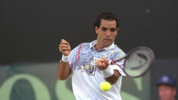 Le joueur de tennis israélien Gilad Bloom lors d\'un match de Coupe Davis, en 1990.