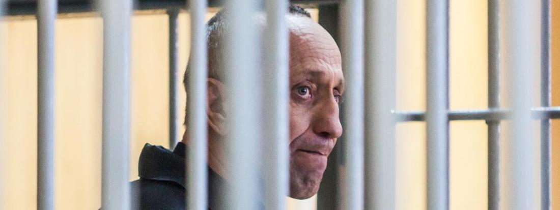Le tueur en série russe Mikhaïl Popkov lors de son deuxième procès le 10 décembre 2018 à Irkoutsk (Russie).