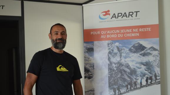 Samir Souadji, directeur de l\'association Apart, à Tremblay-en-France le 28 mai 2019.