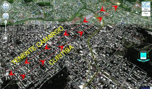 Em destaque, as ruas Curitiba e Tenente Camargo, que cortam a cidade de leste a oeste, com seus sentidos de fluxo de veículo
