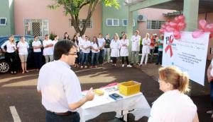 Prefeito Cantelmo Neto fala a enfermeiros e agentes de saúde durante abertura da Semana de Prevenção às DSTs