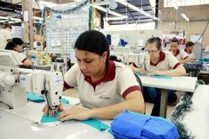 Esta indústria de confecções dobrou o número de funcionários nos últimos dois anos