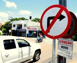 Motoristas devem ficar atentos à sinalização nas ruas transversais à Curitiba e tenente Camargo, que agora são mão única