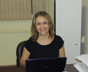 A economista Fernanda Mendes Bezerra diz que geração de empregos é importante indício de crescimento do município