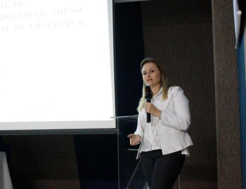 A advogada e professora que coordena o Neddij, Melissa Barbieri, foi uma das palestrantes do dia