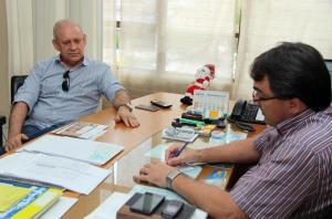 Encontro foi no gabinete da Prefeitura e ideia é que o Município assuma a responsabilidade de conservação do trecho
