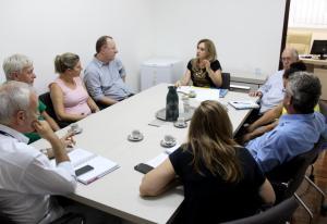 Comitiva com secretário de Pato Branco, prefeito de Campo Erê e consultor do Sebrae visitou o Centro Empresarial e se reuniu com a secretária Jovelina Chaves nesta semana