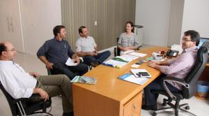Marcos Rovani, Maciel Comunelo e Geferson Pit se reuniram com a secretária Daniela Celuppi e o prefeito Cantelmo Neto para debater a parceria