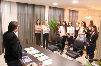 As candidatas ao Miss Beltrão foram recebidas pelo prefeito Cantelmo Neto