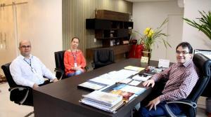Leandro Rodrigues e Cledi Nottar – que assume o Sesc na segunda – foram recebidos pelo prefeito Cantelmo Neto nesta quinta