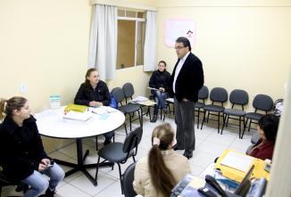 Em visitas às unidades de saúde da cidade, prefeito Cantelmo Neto conversou com pacientes e servidores nos bairros Luther King, Padre Ulrico, Jardim Floresta e Sadia