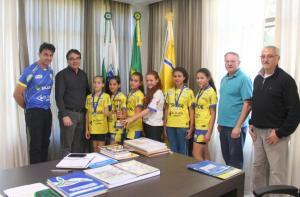 Equipe vice-campeã da competição foi recebida pelo prefeito Cantelmo Neto nesta semana