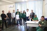 Com servidores, prefeito Neto iniciou o dia na Secretaria de Meio Ambiente