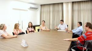 O prefeito Cantelmo Neto convocou a aprovada no concurso, Flávia Bedin, para assumir o primeiro cargo de economista doméstico da Prefeitura