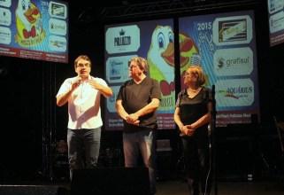 Na abertura do Marreco da Canção, prefeito Cantelmo Neto, Miguel Seymur e Elenir Maciel; festival terá 108 apresentações e segue até o final de semana