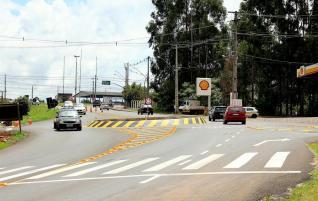 A rotatória deve organizar melhor o trânsito para entrada e saída ao bairo Jd Itália
