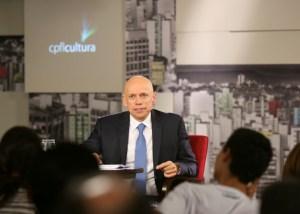 Karnal é dos principais intelectuais da atualidade e famoso na web pelas provocações no programa Café Filosófico