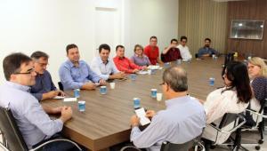 Em reunião com o G-20, prefeito Cantelmo Neto anunciou transição com novo governo após o dia 15