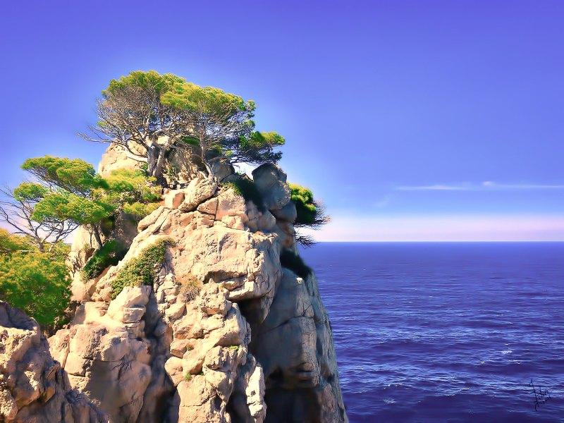 Cala Ratjada Es Pelats La Olla rock tower photo