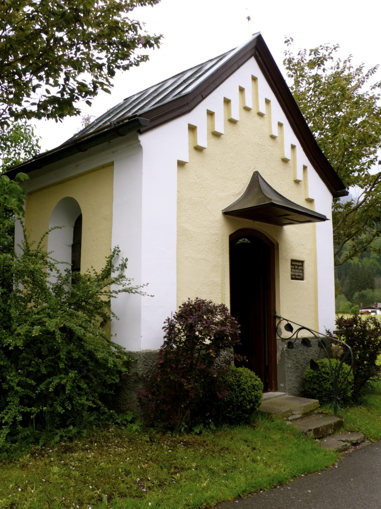 Here is another chapel.