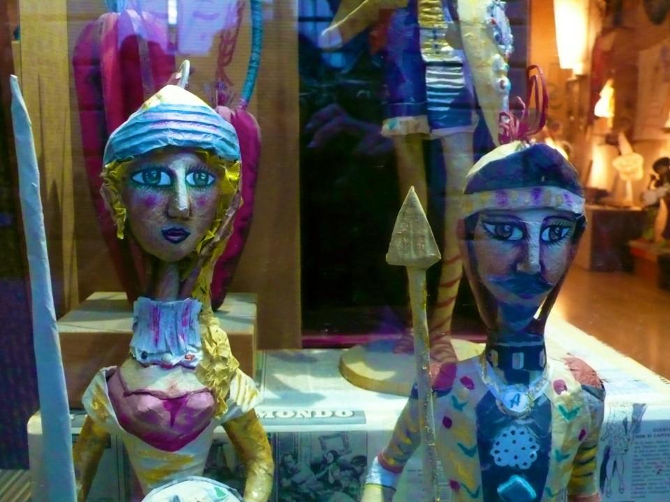 Sicilian puppets (puppi)
