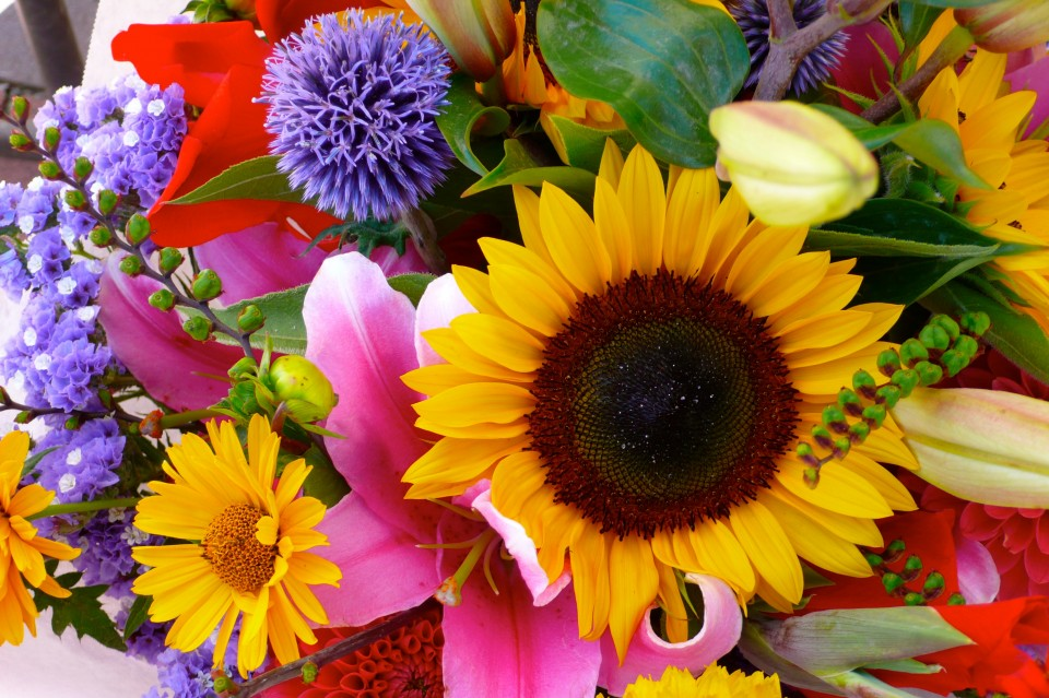 Summer bouquets at the market