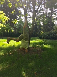 Yes, our chef gone upside down in headstand! (photo by Leslie S)