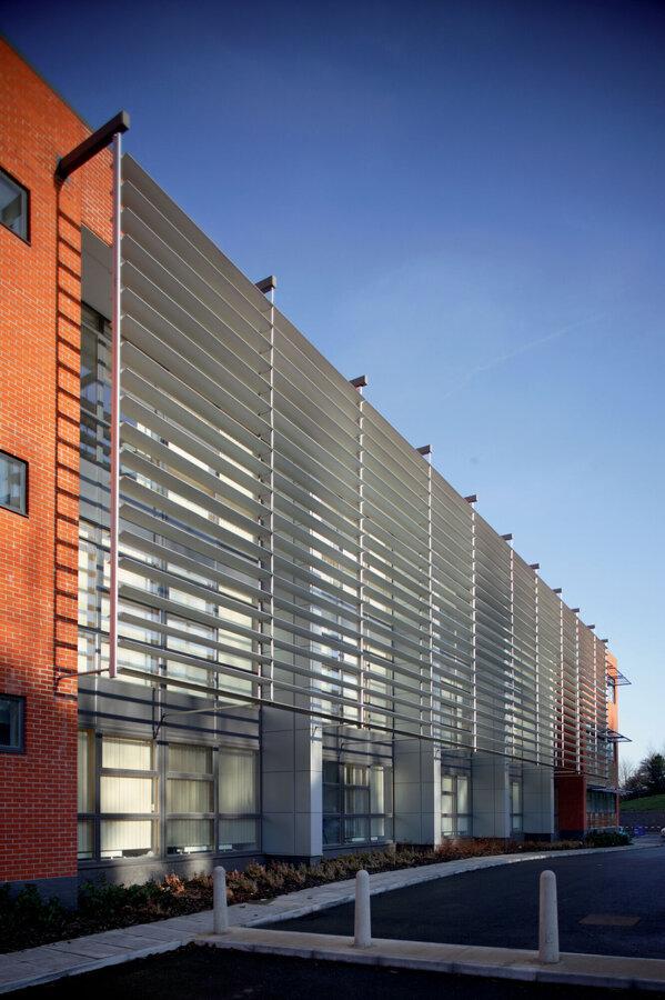 Frangisole-orientabile-alluminio-protezione_solare_Stameat_srl_Padova