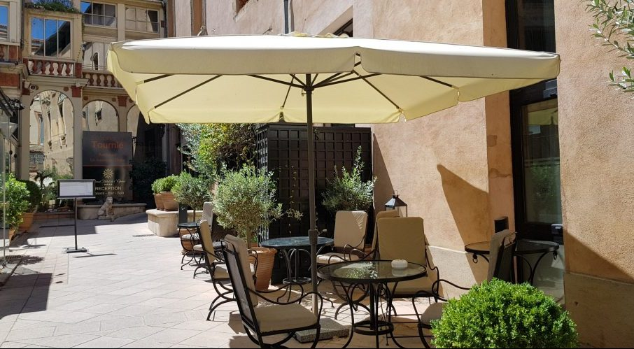 Courtyard of Grand Hotel de l'Opera in Toulouse
