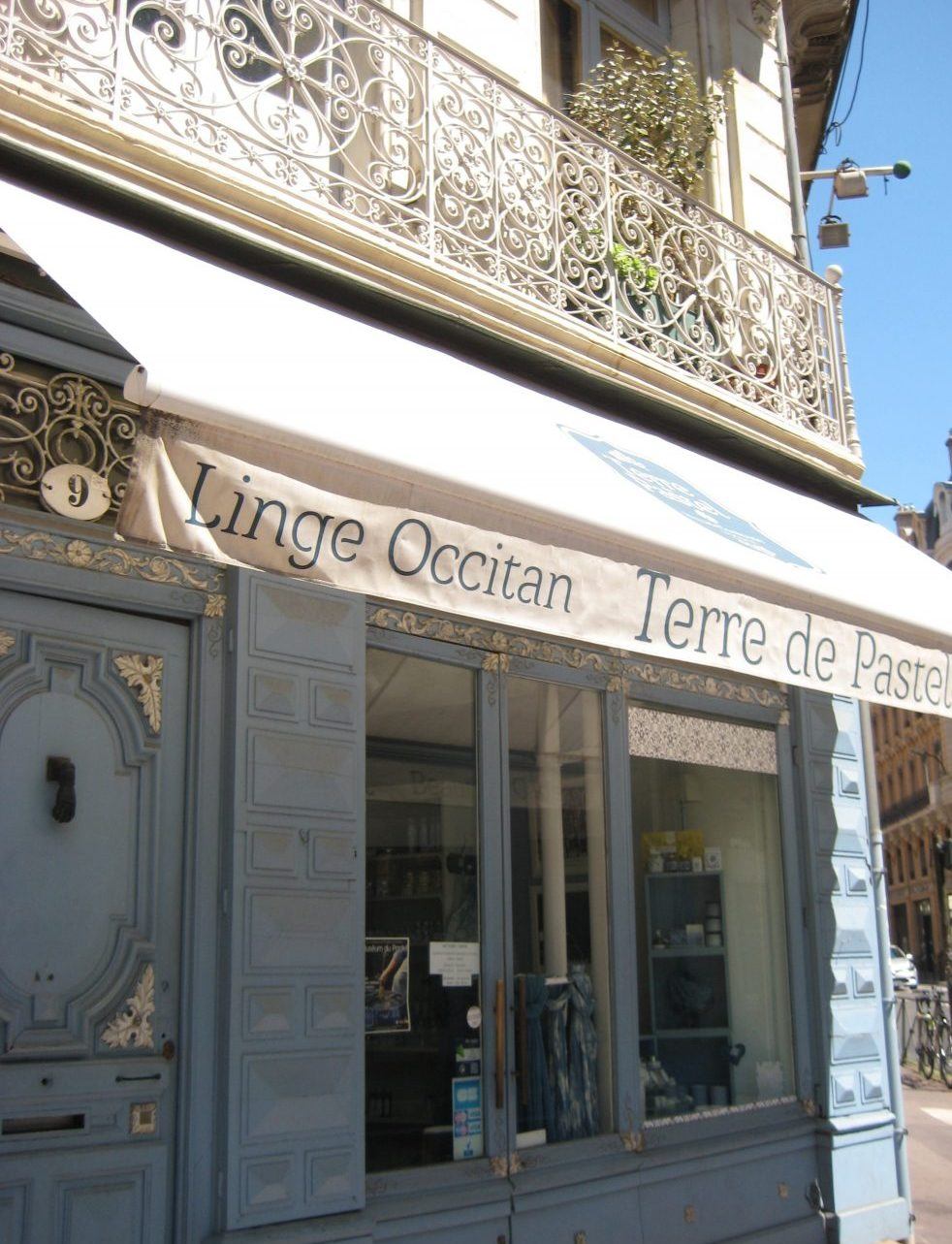 Pastel shop in Toulouse