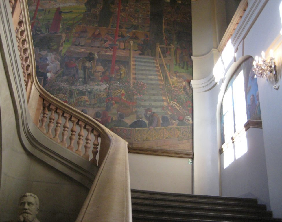 That sweeping staircase at the Capitole building in Toulouse