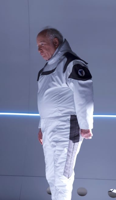 Richard Dreyfuss as Angus in Astronaut