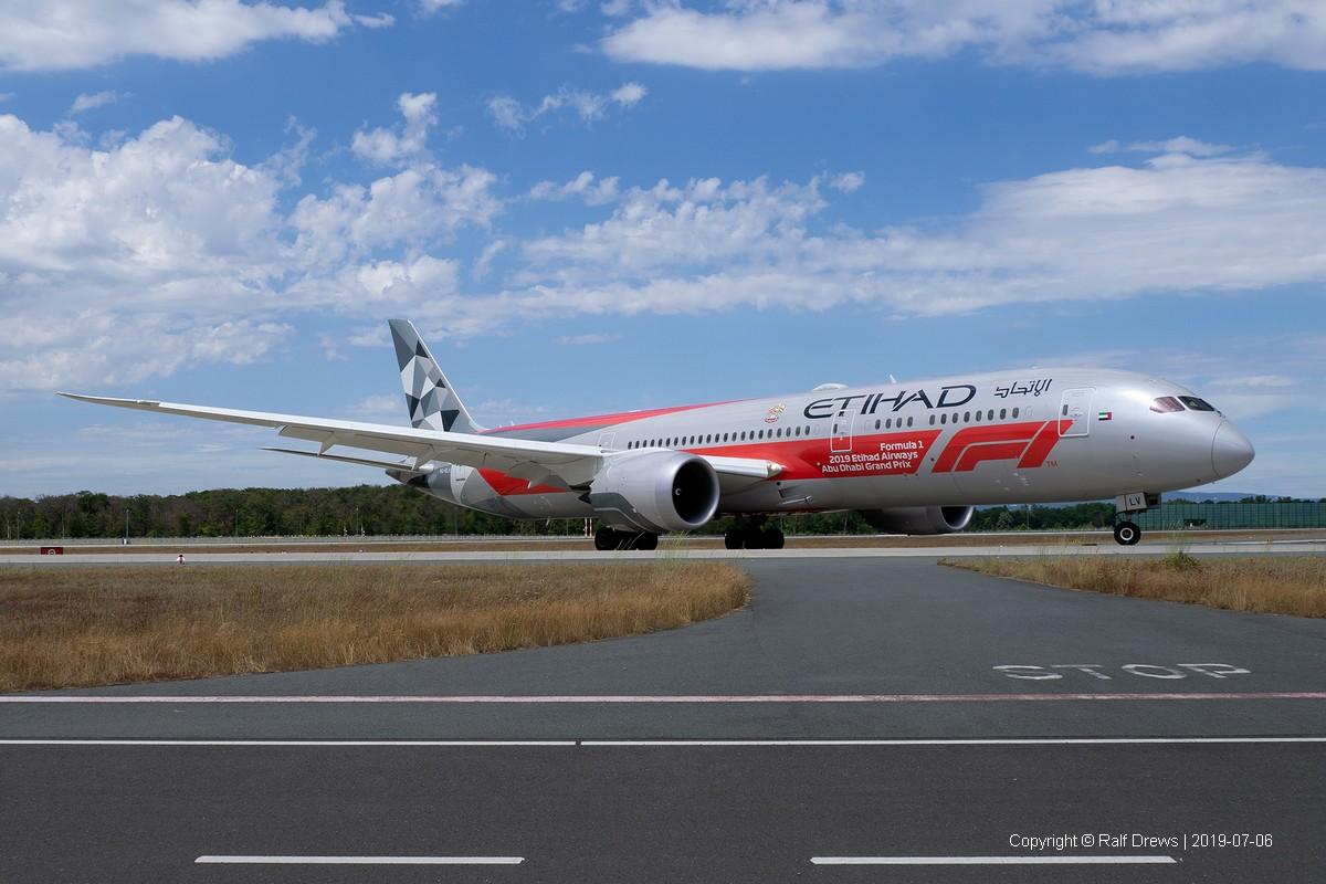 A6-BLV Etihad Airways Boeing 787-9 (ln 768)