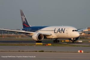 CC-BBD LAN Airlines Boeing 787-8 Dreamliner (38484 / 118)