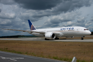 N30913 United Airlines Boeing 787-8 Dreamliner (sn 35879 / ln 238)